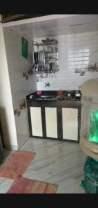 Gallery Cover Image of 340 Sq.ft 1 RK Apartment for rent in Shivaji Raje Complex, Kandivali West for 12000