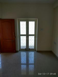 Gallery Cover Image of 810 Sq.ft 2 BHK Apartment for rent in Anakaputhur for 8000