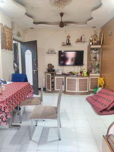 Gallery Cover Image of 650 Sq.ft 1 BHK Apartment for buy in Palm Acres Co-Op. Hsg. Soc. Ltd, Sion for 11000000