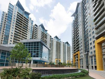 Gallery Cover Image of 3200 Sq.ft 5 BHK Apartment for buy in Amanora Aspire Towers, Hadapsar for 26000000