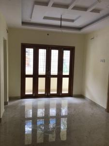 Gallery Cover Image of 925 Sq.ft 2 BHK Apartment for buy in Selaiyur for 5503750