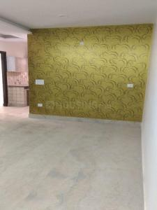 Gallery Cover Image of 650 Sq.ft 2 BHK Apartment for buy in Dwarka Mor for 2800000
