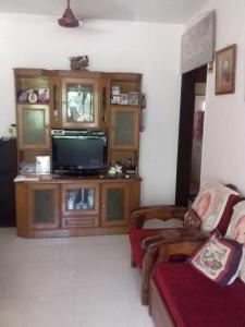 Gallery Cover Image of 1025 Sq.ft 2 BHK Apartment for rent in Santacruz East for 75000