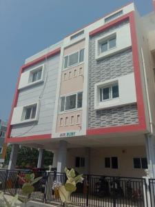 Gallery Cover Image of 1380 Sq.ft 3 BHK Apartment for buy in AVR Ruby, Kil Ayanambakkam for 7900000