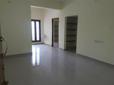 Gallery Cover Image of 1250 Sq.ft 2 BHK Apartment for rent in Sholinganallur for 15000