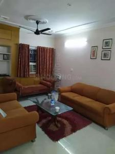 Gallery Cover Image of 1950 Sq.ft 4 BHK Apartment for rent in DDA Flats Sarita Vihar, Sarita Vihar for 42500