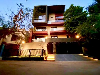 Gallery Cover Image of 7500 Sq.ft 5 BHK Villa for buy in DLF Phase 2, DLF Phase 2 for 160000000