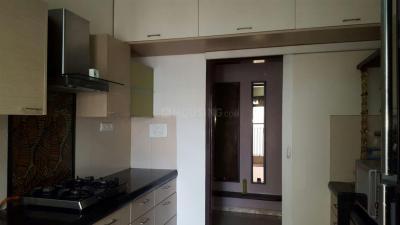 Gallery Cover Image of 720 Sq.ft 1 BHK Apartment for rent in K Raheja Vistas, Powai for 43000