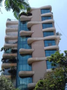 Gallery Cover Image of 1980 Sq.ft 3 BHK Apartment for rent in Juhu for 160000