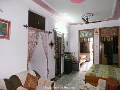 Gallery Cover Image of 950 Sq.ft 2 BHK Apartment for buy in Janakpuri for 4000000