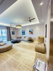 Gallery Cover Image of 2050 Sq.ft 4 BHK Independent Floor for buy in Sector 67 for 15500000
