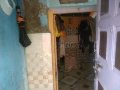 Gallery Cover Image of 250 Sq.ft 1 BHK Independent House for buy in Malad West for 3500000