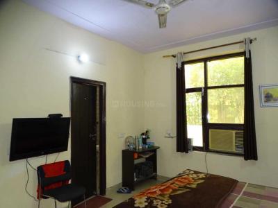 Bedroom Image of Krishna PG in Sector 32