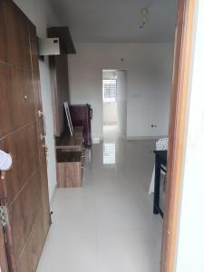 Gallery Cover Image of 1200 Sq.ft 2 BHK Apartment for rent in RT Nager for 34000
