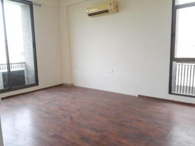 Gallery Cover Image of 2406 Sq.ft 3 BHK Apartment for rent in Thaltej for 30000