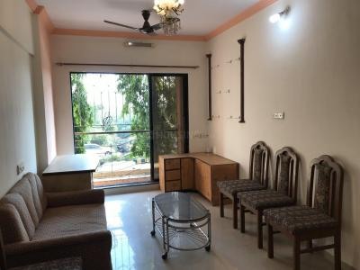 Gallery Cover Image of 530 Sq.ft 1 BHK Apartment for rent in Kandivali West for 20000