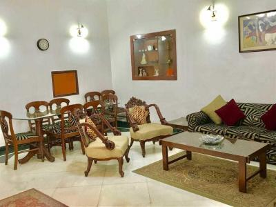 Gallery Cover Image of 1800 Sq.ft 2 BHK Independent Floor for rent in East Of Kailash for 60000