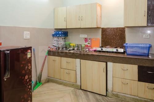 सेक्टर 42 में साहू हाउस एफ़बीडी के किचन की तस्वीर