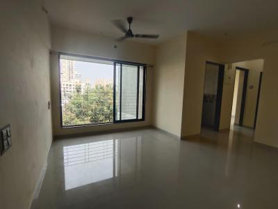 Gallery Cover Image of 950 Sq.ft 2 BHK Apartment for buy in Goregaon West for 17500000