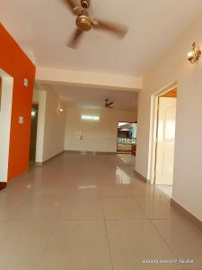 Gallery Cover Image of 1650 Sq.ft 3 BHK Apartment for rent in Aisshwarya Opulence Apartments, Marathahalli for 42000