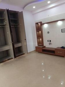 Gallery Cover Image of 2000 Sq.ft 3 BHK Independent Floor for rent in Sector 8 Dwarka for 30000