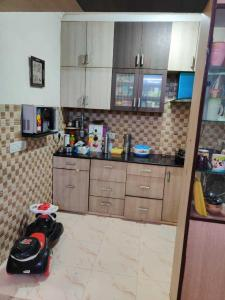 Gallery Cover Image of 1850 Sq.ft 3 BHK Apartment for rent in Sector 6 Dwarka for 36500