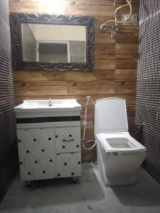 Common Bathroom Image of Luxury Homestay For Boys in Kalkaji