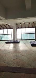 Gallery Cover Image of 1850 Sq.ft 3 BHK Apartment for buy in Juhu for 150000000