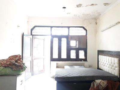 Gallery Cover Image of 750 Sq.ft 1 RK Independent Floor for rent in Pitampura for 8500