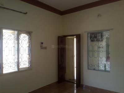 Gallery Cover Image of 650 Sq.ft 1 BHK Independent Floor for rent in Meenambakkam for 7000