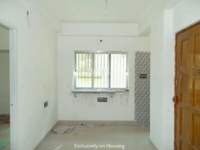 Gallery Cover Image of 750 Sq.ft 2 BHK Apartment for buy in Tollygunge for 3500000