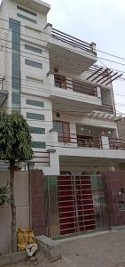 Gallery Cover Image of 2200 Sq.ft 3 BHK Independent Floor for rent in Sector 11 for 16000