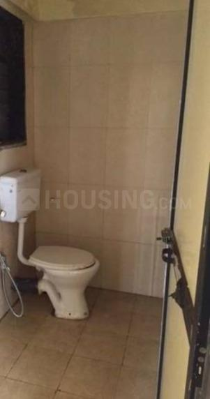 Common Bathroom Image of 650 Sq.ft 1 BHK Apartment for rent in Kurla East for 25000
