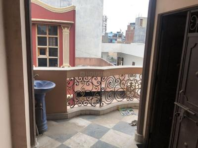 Gallery Cover Image of 900 Sq.ft 2 BHK Independent Floor for rent in Krishna Nagar for 15000