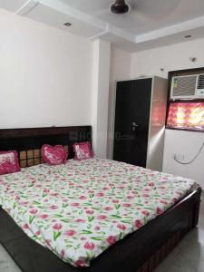 Gallery Cover Image of 500 Sq.ft 1 BHK Independent Floor for rent in  SWA AB Block Shalimar Bagh, Shalimar Bagh for 12000