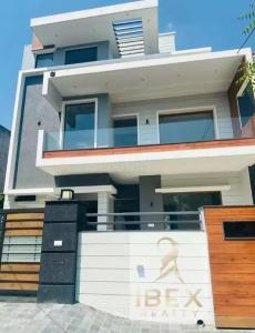 Gallery Cover Image of 2500 Sq.ft 4 BHK Independent House for buy in Panchkula Extension for 18000000