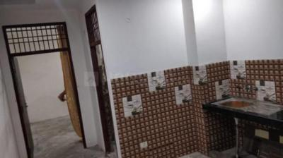 Gallery Cover Image of 500 Sq.ft 1 RK Independent Floor for rent in Sangam Vihar for 5500