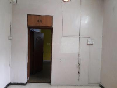 Gallery Cover Image of 650 Sq.ft 2 BHK Apartment for rent in Bandra East for 35000