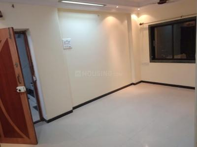 Gallery Cover Image of 810 Sq.ft 2 BHK Apartment for rent in Goregaon East for 35000