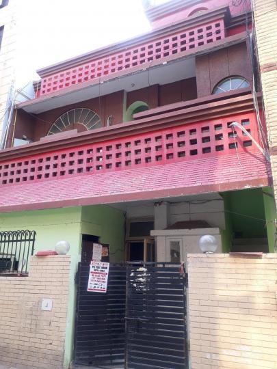 सेक्टर 15 में पीजी 15 सेक्टर 15 के बिल्डिंग की तस्वीर