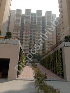 Gallery Cover Image of 1345 Sq.ft 2 BHK Apartment for buy in Tech Zone for 4236750