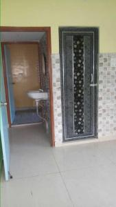 Gallery Cover Image of 1050 Sq.ft 2 BHK Apartment for buy in Santoshpur for 5500000
