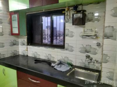Gallery Cover Image of 350 Sq.ft 1 BHK Apartment for rent in Malad West for 15000