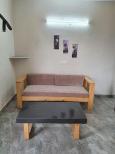 Gallery Cover Image of 650 Sq.ft 1 BHK Independent Floor for rent in Sun City, Sector 54 for 22000