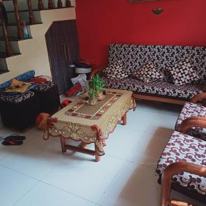 Gallery Cover Image of 1650 Sq.ft 3 BHK Independent House for buy in Nipania for 6100000