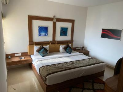 Gallery Cover Image of 2000 Sq.ft 3 BHK Apartment for rent in Mangalya Suryodaya Apartments, Munnekollal for 40000
