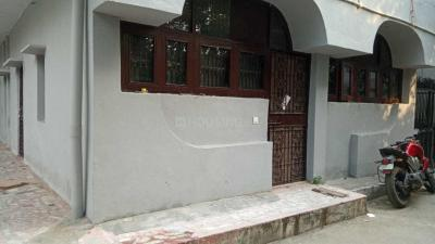 Gallery Cover Image of 1250 Sq.ft 4 BHK Apartment for rent in BP - BLOCK, Pitampura for 35000