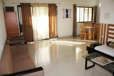 Gallery Cover Image of 1120 Sq.ft 2 BHK Apartment for rent in Magarpatta Iris, Magarpatta City for 18000