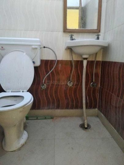 Common Bathroom Image of 1230 Sq.ft 2 BHK Independent House for rent in Alpha II Greater Noida for 9500
