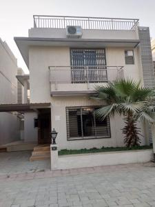 Gallery Cover Image of 2790 Sq.ft 4 BHK Independent House for buy in Sanathal for 16000000